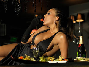 Taking high class London escort for dinner